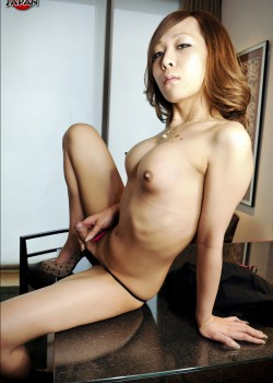 ladyboy 3 250x350 Japanese Ladyboy Sayaka Kohaku posing